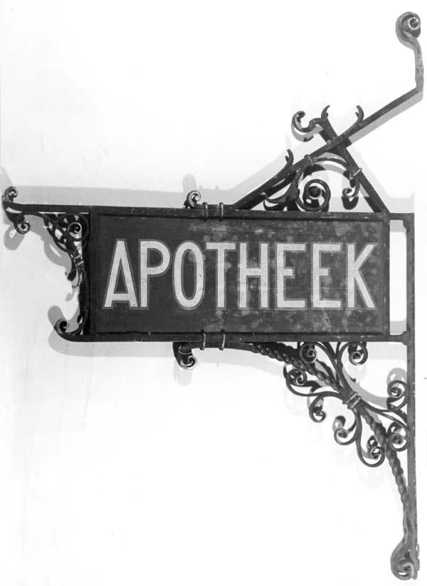 Uithangbord apotheek
