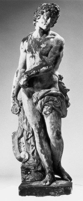 Twee tuinbeelden van Apollo en Bacchus