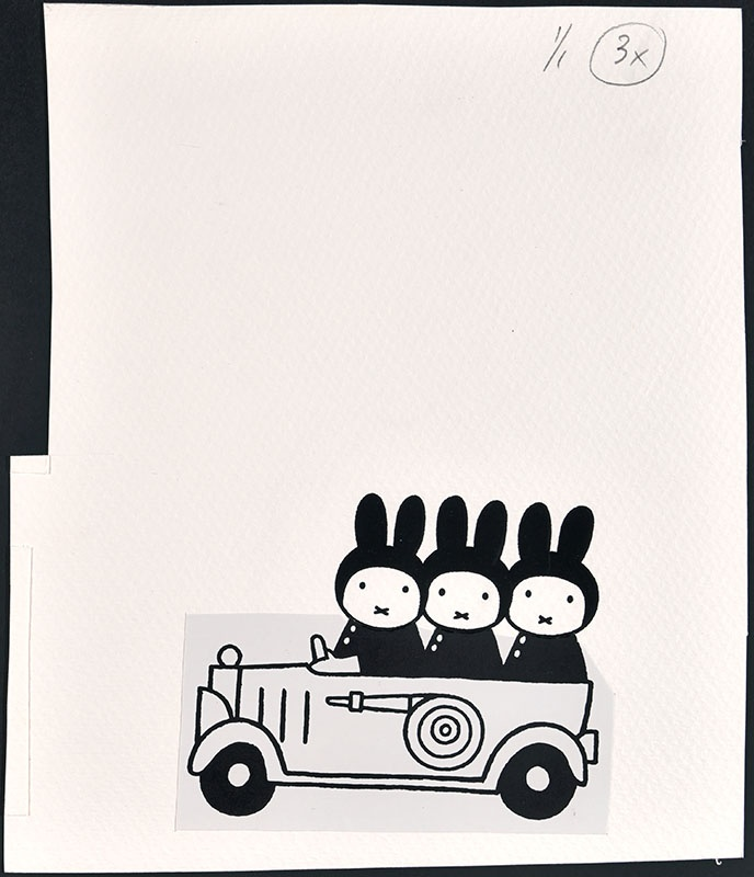 drie konijnen in een brandweerauto [vergelijk het kinderboek: snuffie en de brand; niet gebonden aan een kinderboek]