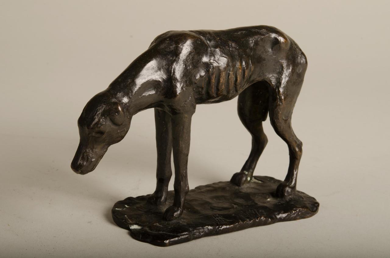 Sculptuur van een hazewindhond