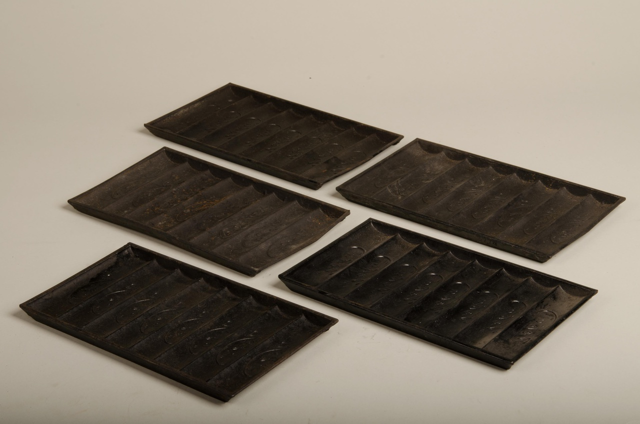 Vijf rechthoekige chocoladevormen 'Veka'