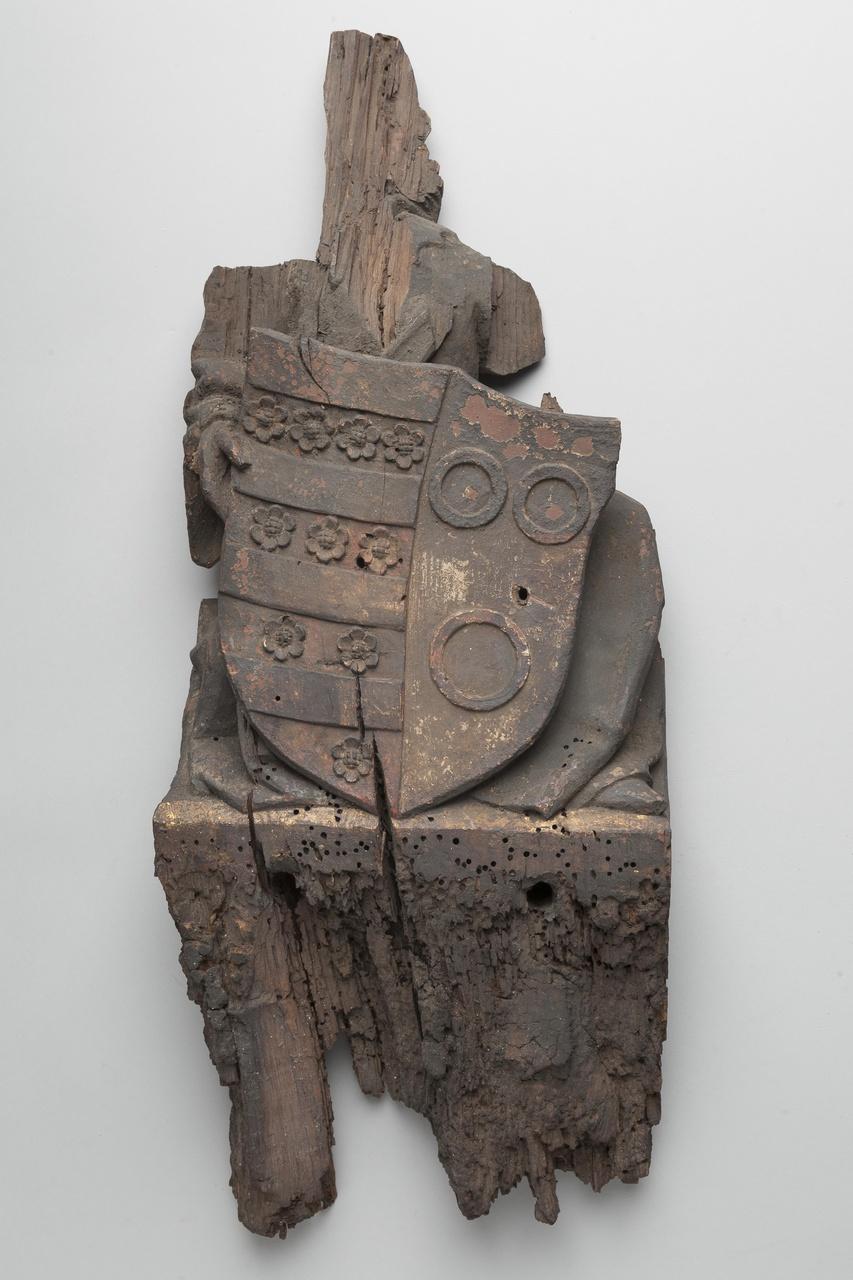 Balksleutel met wapendragende engelfiguur met wapen van Evert Zoudenbalch