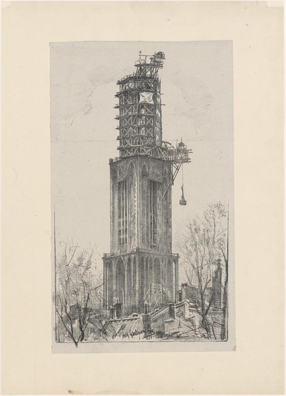 De Domtoren van Utrecht in de steigers