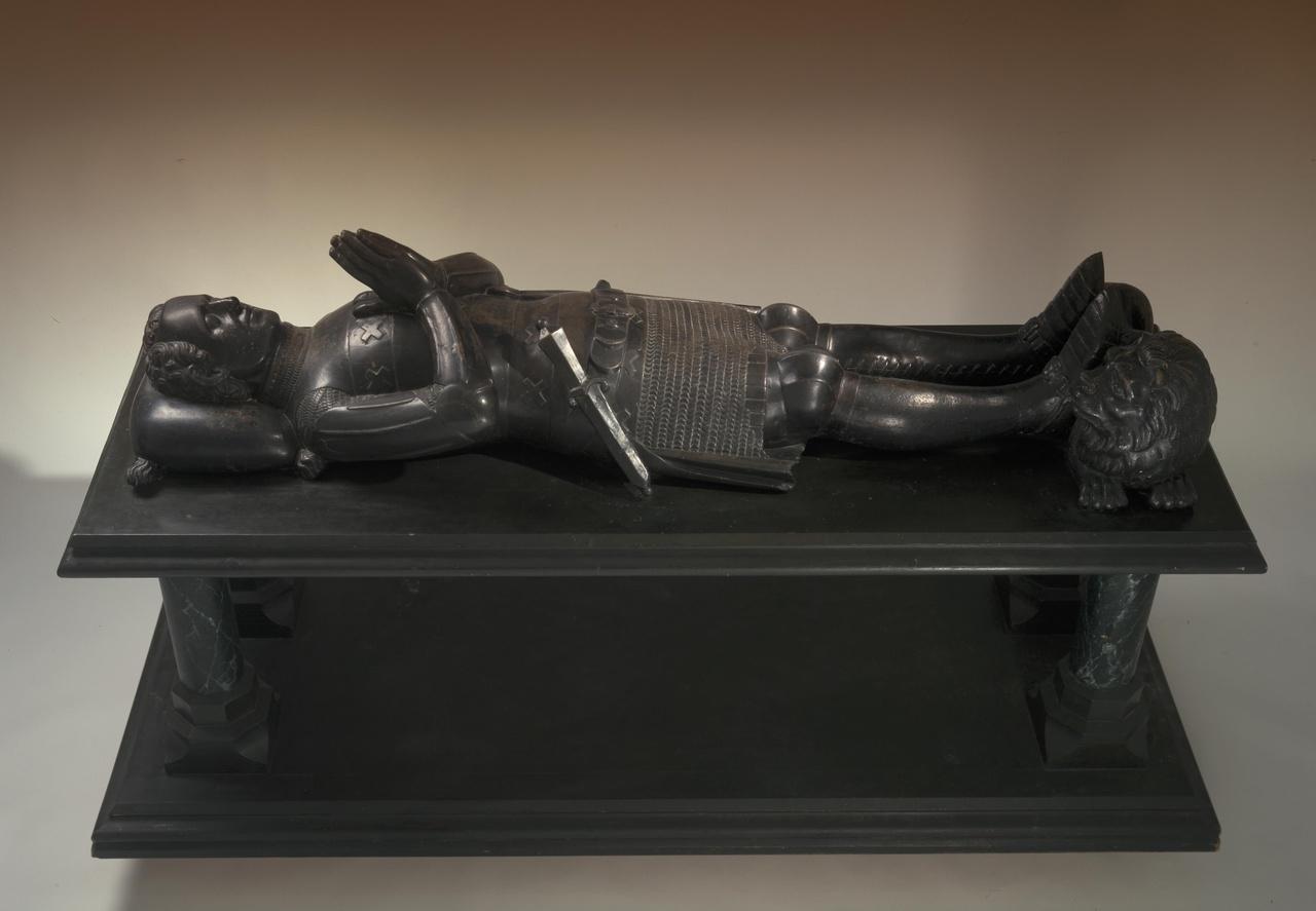 Grafmonument van een ridder uit het geslacht Drakenborch