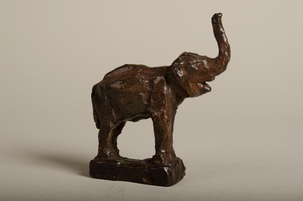 Sculptuur van een Olifantje
