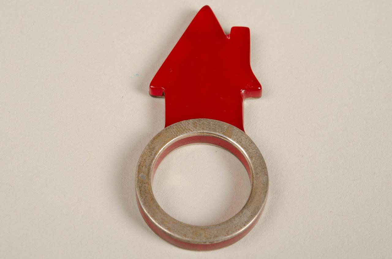 Damesring bestaande uit drie onderdelen: huisje