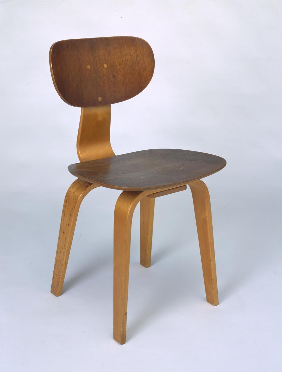 Stoel 'SB02' of stoel '152'