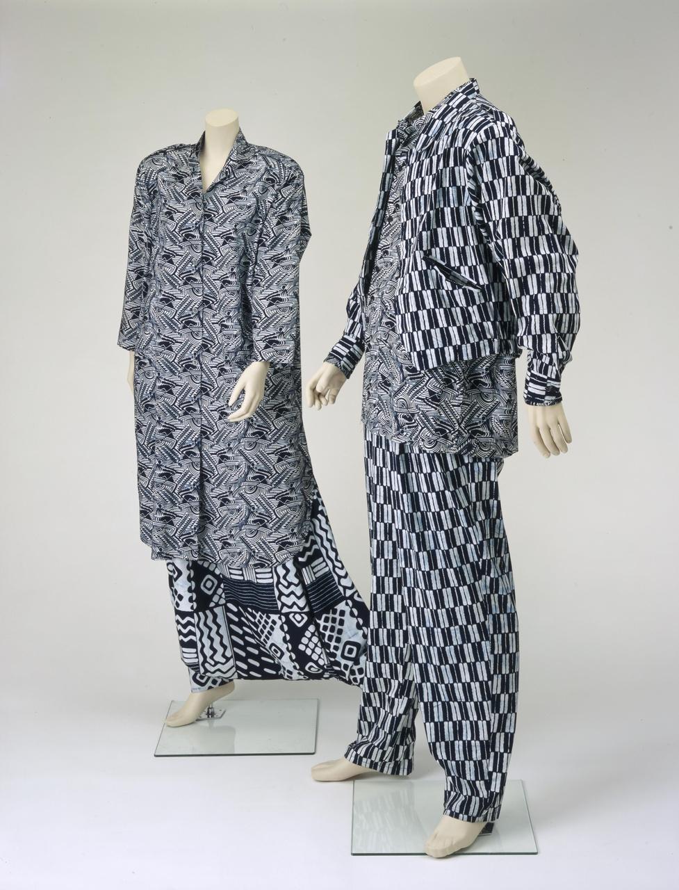Herenensemble bestaande uit blouse, jas, broek en sjaal