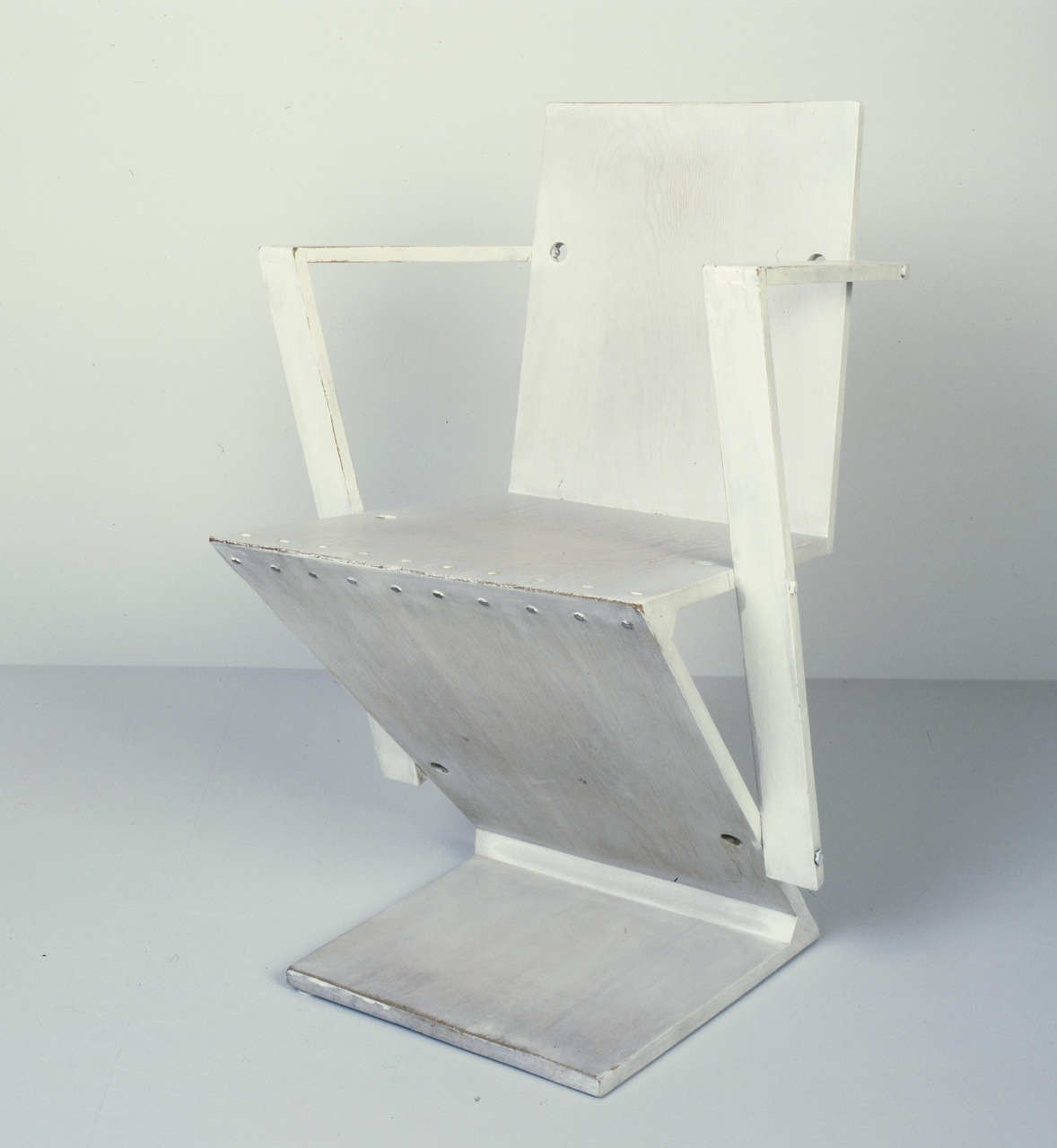 Zigzagstoel met armleuning
