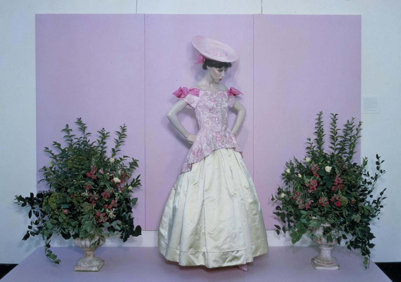 Dameslijf behorend bij bruidsensemble