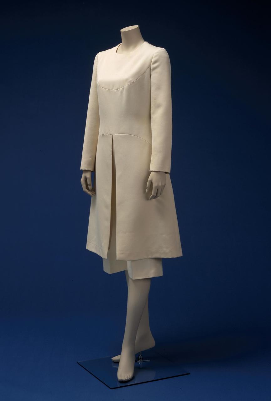 Damesensemble bestaande uit tuniek en broek