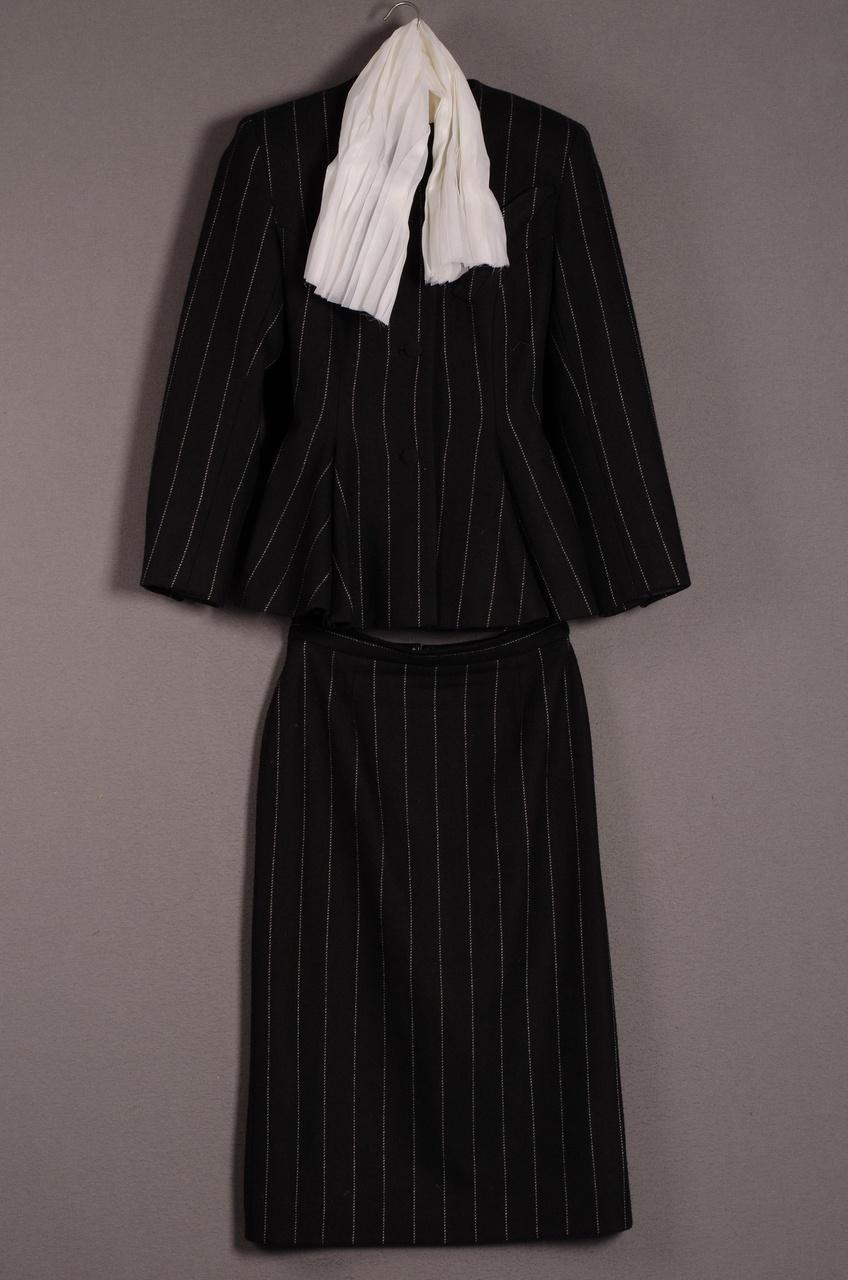 Damesensemble 'Tailleur' bestaande uit jasje en rok