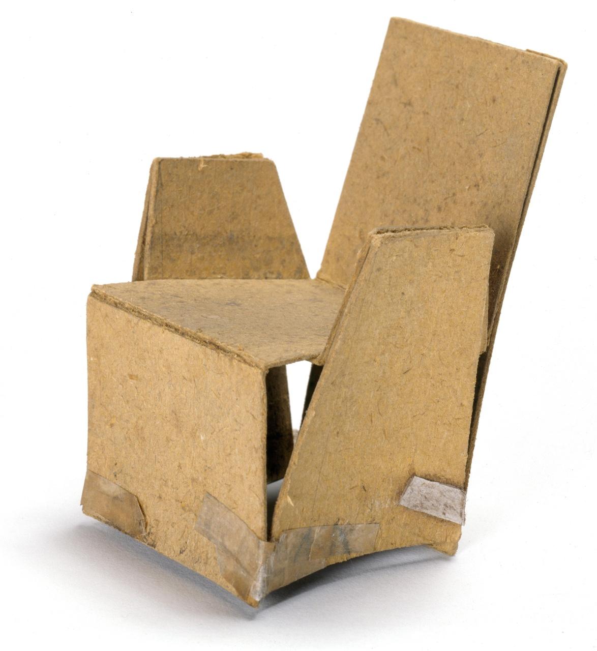 Model van een stoel met armleuningen