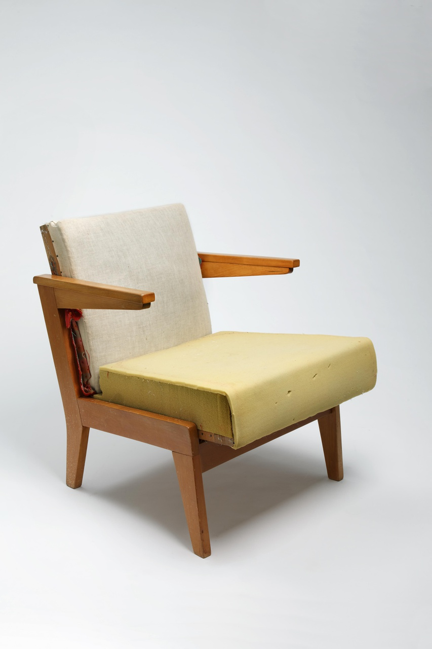 Leunstoel meubelfabriek De Toekomst