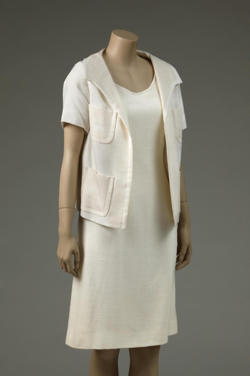 Damesensemble bestaande uit jurk en jas