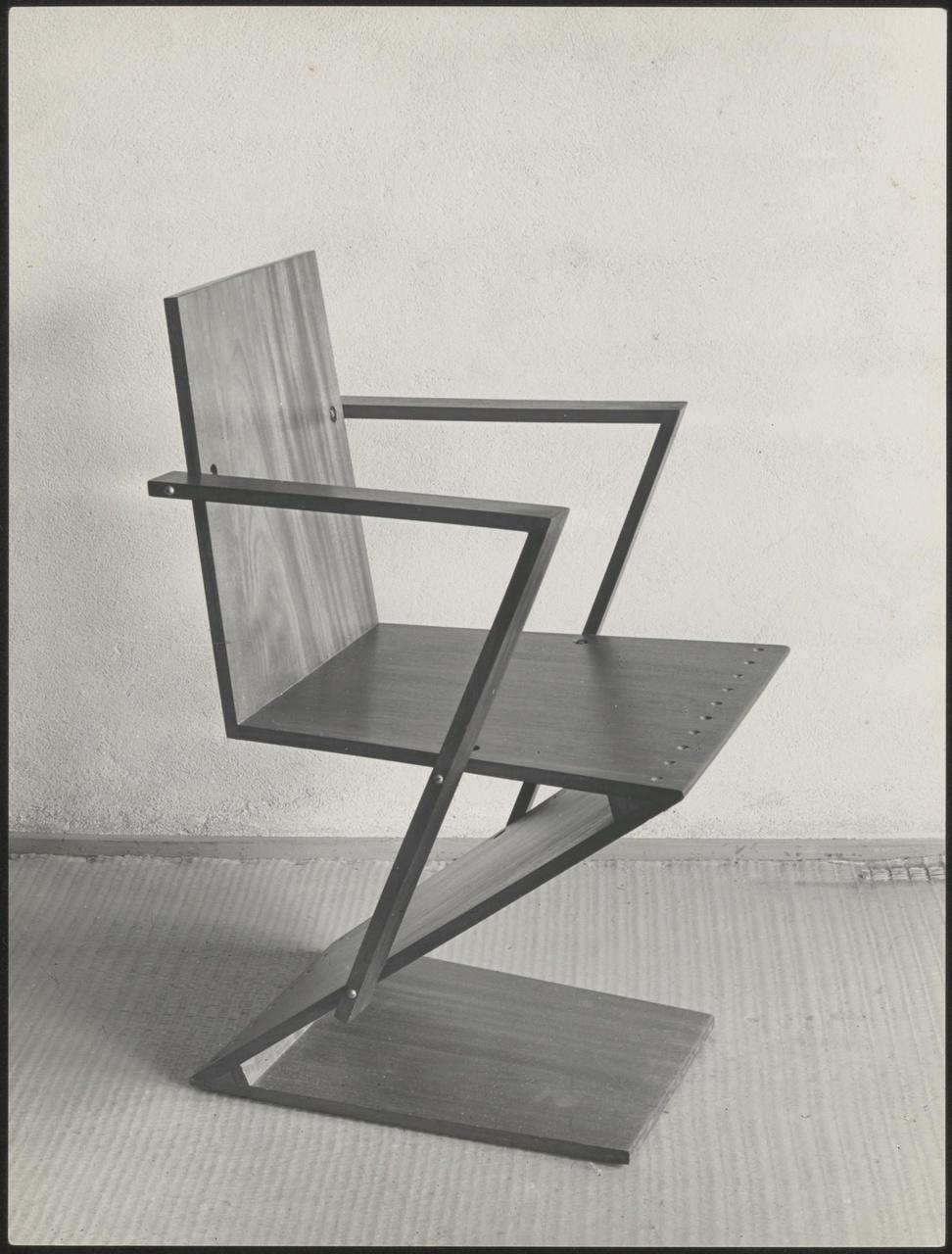 Afbeelding van zigzagstoel met armleuningen