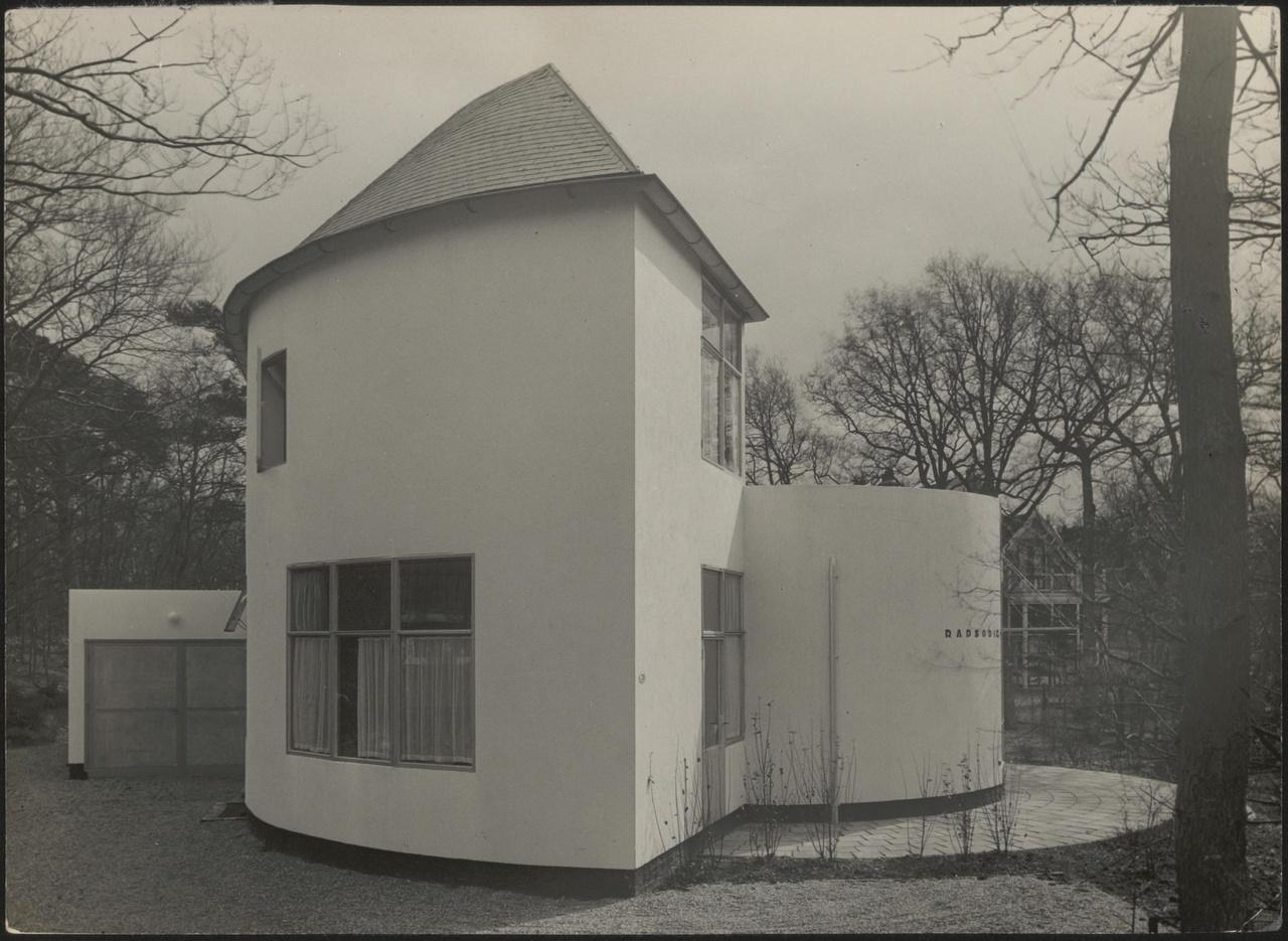 Afbeelding van woning Székely, aanzicht woning kopse kant,ca.1934