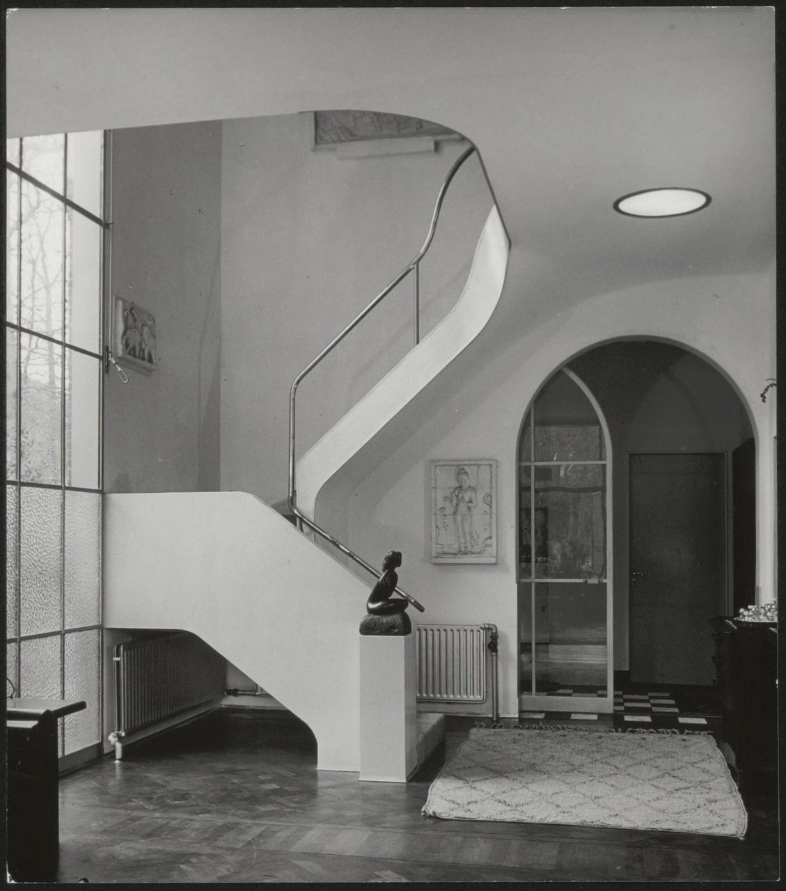 Afbeelding van hal in de 'Vijverhof', ca.1937