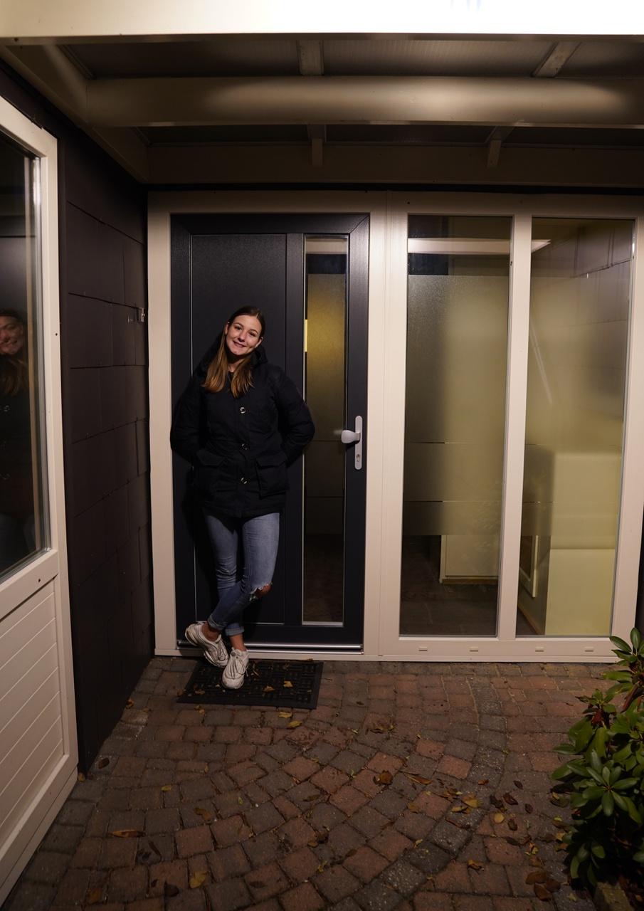 3/13 - Maaike Brok, Anna van Burendreef, Overvecht. 'Op deze plek heb ik mijn eerste vier levensjaren ervaren. Het was een fijne tijd met veel buurtgenootjes.'