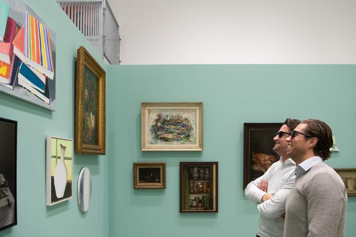 Kleurenblinden onderscheiden kleuren in kunstwerken Centraal Museum met speciale bril