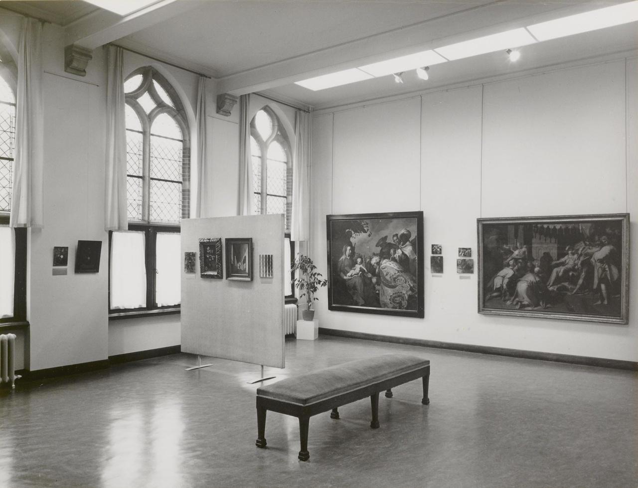 Röntgenonderzoek van de oude schilderijen